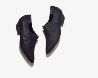 Vintage Ankle Boots 9.5 / Black Leather Winklepickers / Ankle Boots Women / Leather Ankle Boots / Nubuck Leather Booties