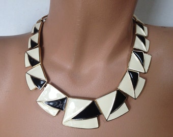 Kunio Matsumoto Black White Enamel Geometric Necklace – Mod 1970s Trifari