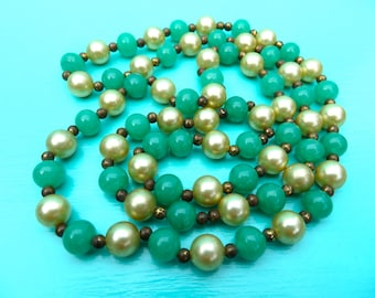 """SALE/Vintage Green Glass and Pearl Beaded Necklace/Pearl and Green Glass Beaded Necklace/Antique Patina/28"""""""