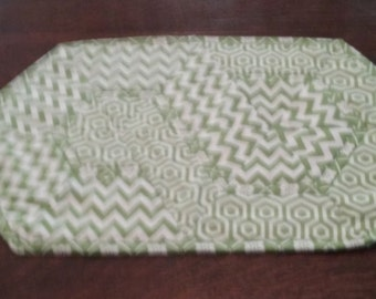 table topper or mug rug green