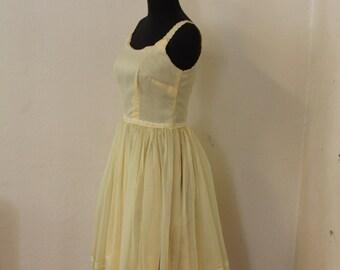 Lovely Lemon 1950's Rockabilly Bombshell Dress - Size US 4 / UK 10