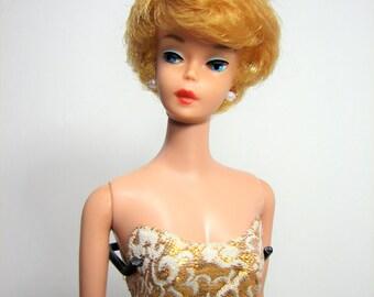Early Bubble Cut Barbie Doll, Honey Blonde, Red Lips, 1961 Model #850 ... Vintage Classic Barbie, Mattel Inc., EUC