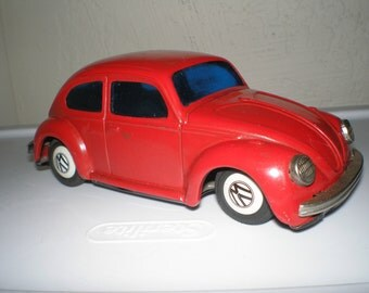 Red VW Tin Toy Car  Litho Painted Lots of Great Detail Automotive  Collectible  - Friction Man Toy