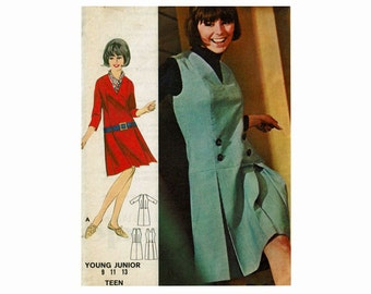 1960s Dress or Jumper Uncut Sewing Pattern Low Waisted Scooter Girls 60s fashion Butterick 3668 Size 13 Bust 33 Junior