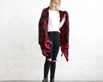 Blanket scarf - Black & Red.