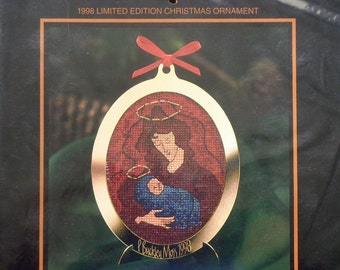 P. Buckley Moss | 1998 Limited Edition | CHRISTMAS ORNAMENT | Counted Cross Stitch Kit