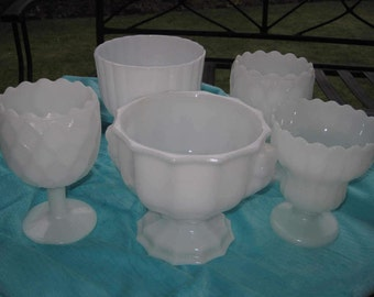 5 White Milk Glass Wedding Centerpiece Vases, Set of 5