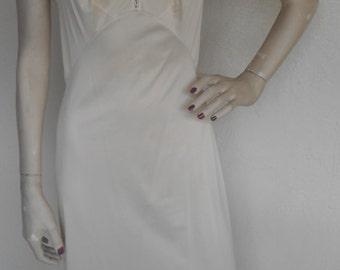 Vintage Olga Slip Maxi Ivory Beige Size 32