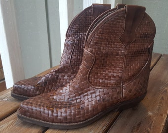 WEAVE    ///    Leather Ankle Boots 8