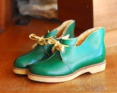 vintage 1950s green leather elf boots / size 5