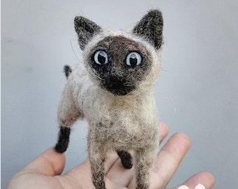 Siamese cat, needle felted kitty, felt kittycat, blue eyed, realistic sculpture