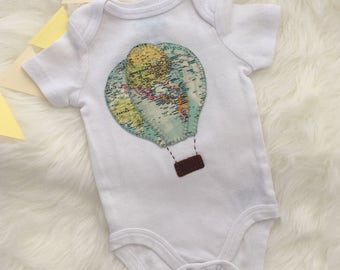 Hot air ballon baby onesie/bodysuit, world map hot air balloon- personalize with your baby's name