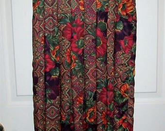 Vintage Ladies Red & Green Floral Paisley Skirt by Susan Bristol Size 6 Only 12 USD