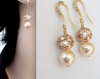 Gold pearl Earrings - Swarovski pearls and crystals - Bridal jewelry - Gold wedding earrings ~ Bridesmaids earrings - Gift- ISABELLA