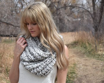 Chunky Knit Wool Infinity Scarf Cowl Neckwarmer / THE TELLURIDE SCARF
