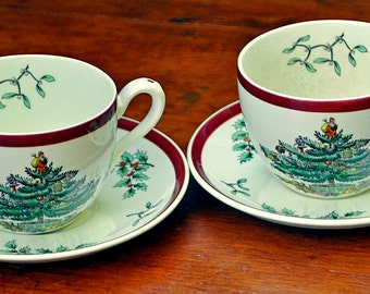 Scarce Vintage Ca1952 Two (2) Copeland/Spode Christmas Tree Cups and Saucers #S3324 w/ #1339 Red Band Old Mark Cup on Left in Exc Condition.