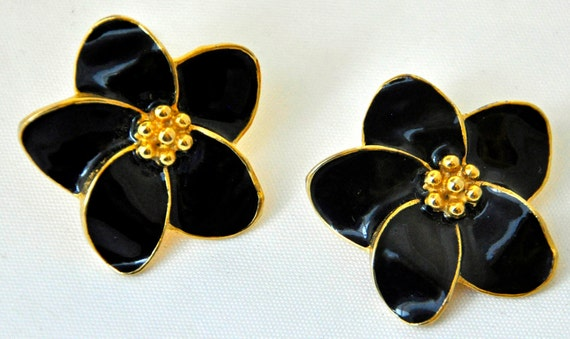 Collectible C. r G. KELLNER EARRINGS, Shiny Jet Black w/ Gold Tone Accent, Clip-On, Excellent Condition n Construction, Sgnd, Look like new!