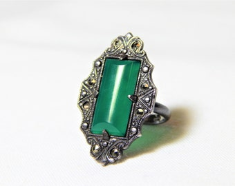Vintage Sterling Silver Art Deco Ring with green Chrysoprase and marcasites, Uncas 1920s era, pinky ring, glamour Gatsby flapper style