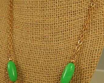 Avon Green and White Beaded Gold Chain Necklace