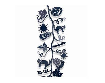 Black Metal Halloween Bendable 5 Foot Long Garland with Cats and Pumpkins and Spiders and Bats and Leaves