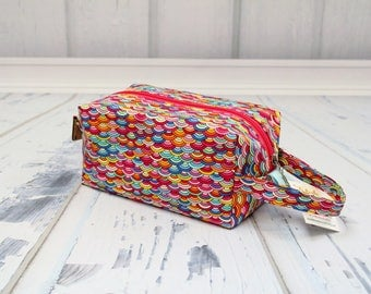 Rainbow fabric Small boxy bag, Knitting Boxy Project Bag, Box Bag, Knitting Project Bag. Sock Knitting bag. Crochet bag,zippered box bag