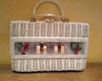 Large Vintage White Wicker Handbag With Lucite Trim/Design Awesome Find! Made in HK