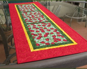 Quilted Table Runner Quilt Ladybug Red 629