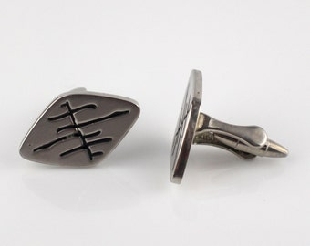 Rhombus Shaped Abstract Design with Cufflinks Circles Cuff Links Gold Tone Metal