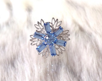 Silver Fused Floral Snowflake Filigree Earrings Swarovski Crystal Lt Sapphire Blue Rhinestone 18mm Titanium Post Minimalist Stud Ladies Gift
