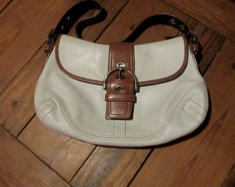 coach hand bag, lovely winter white leather with tan trim, authentic vintage coach