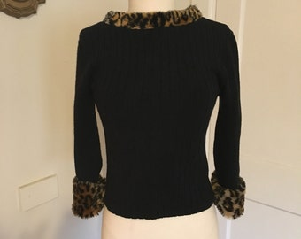 1990s does 1960s style, ribbed knit animal print faux fur cropped top leopard cheetah print M L XL