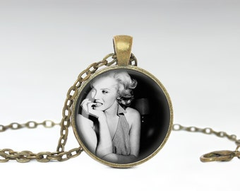 Classic Pin Up Girl Jewelry, Vintage Beauty Necklace, Pretty Woman Pendant [A41]