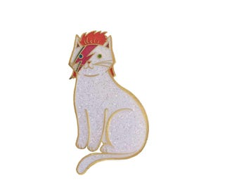 David Bowie Cat Enamel Pin -  cat  enamel pin - Halloween enamel Pin - lapel pin hat pin Gold and Bright Silver Glitter
