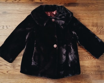 Vintage Faux Fur Coat with Lining and Pockets