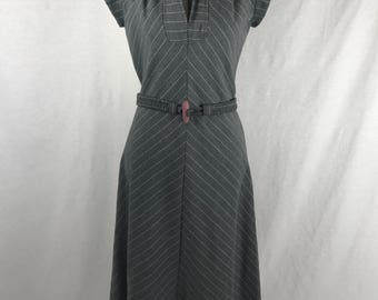Vintage 1950's/60's Short-Sleeve Women's Long Gray Dress Size Small // Mad Men Style