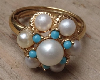Vintage Avon Pearl and turquoise ring