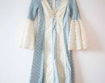 Lace Bell Sleeve || Vintage Prairie Dress || Gunne Sax Styled Dress