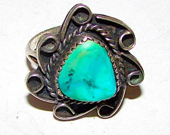 Vintage Native American Navajo Sterling Silver Turquoise Ring size 7.5