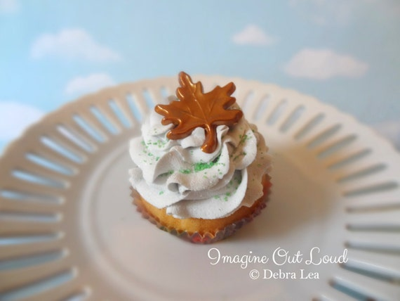 Fake Cupcake Fall Autumn Thanksgiving Oak Leaf Faux Dessert Decoration Kitchen Decor