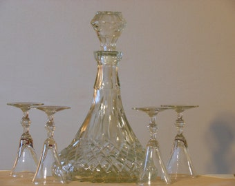 Crystal Decanter & Four Cordial Glasses