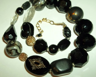 Black Jet Glass Marble Lucite chunky beaded Necklace.