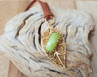 Tan Leather and Filigree Jade Stone Gold Leaf Pendant Necklace / Leaf necklace / Leather Necklace / Stone Necklace / Boho Jewelry / Boho