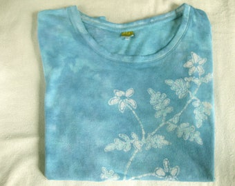 Hand-dyed batik short-sleeve blue shirt with jasmine plant