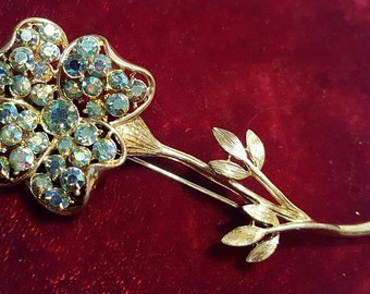 Gorgeous, vintage 50's 60's, CORO PEGASUS, gold tone, flower brooch with sparkling, iridescent rhinestones!