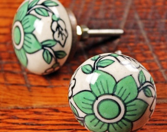 Daffodil Flower Knob - Ceramic Painted Knob - Kitchen Decor - Hand Painted Knob - Bedroom Dresser Knob - Cabinet Knob - Bedroom Decor