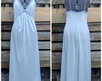Vintage 1970s Van Raalte Aqua Full Length 100% Nylon Negligee / Night Gown