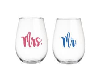 Mr And Mrs Wine Glass, Personalized Wineglass, Stemless Wineglass, Wedding Wineglass, Wedding Gift