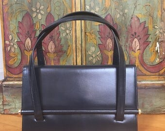 1950s Mid Mod Handbag Fold Over Flap With Weighted Rod Brass End Caps Clean Inside & Out Mad Man Sixties Costuming