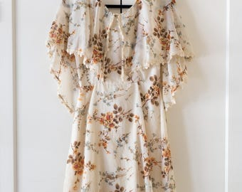 Vintage 1970's Floral Cream Bohemian Feminine Cape Sleeve Dress / Size Small