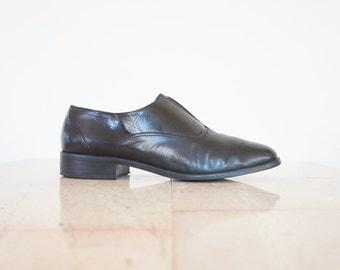 90s Minimal Laceless Black Leather Dress Shoes / Women's Size 9.5 US - 40 Eur - 7 UK